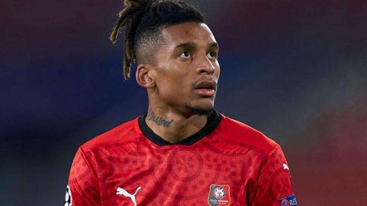 Dalbert va déjà quitter Rennes.