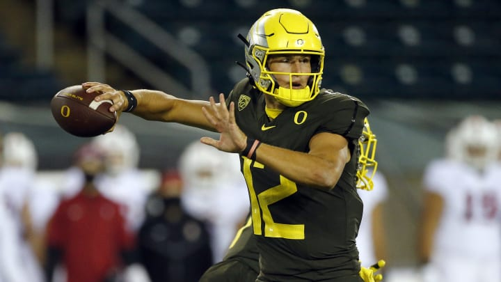 Oregon vs Oregon State odds, spread, prediction, date & start time for college football Week 13 game.