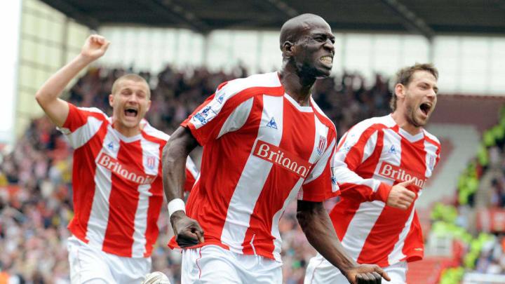 Stoke City's Mamady Sidibe (C) celebrate
