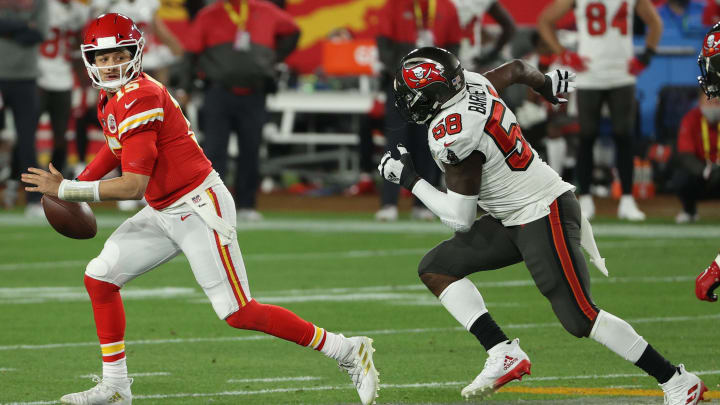 Oddsmakers give the Chiefs better odds to go undefeated than the Buccaneers.