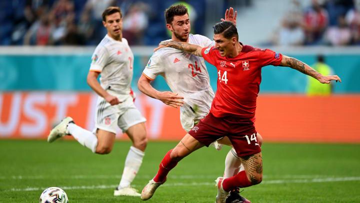 España gana y pasa a semifinales