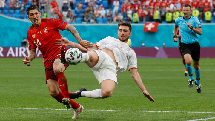 España hizo un partido serio ante Suiza