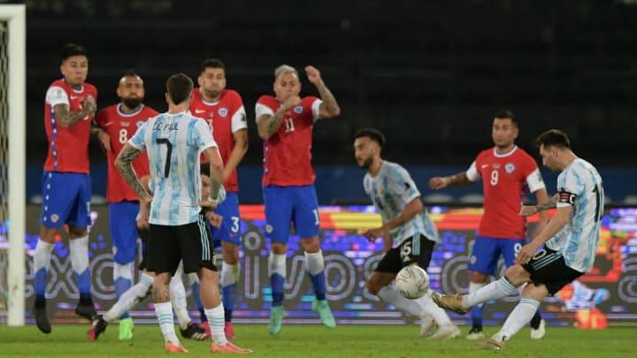 TOPSHOT-FBL-2021-COPA AMÉRICA-ARG-CHI