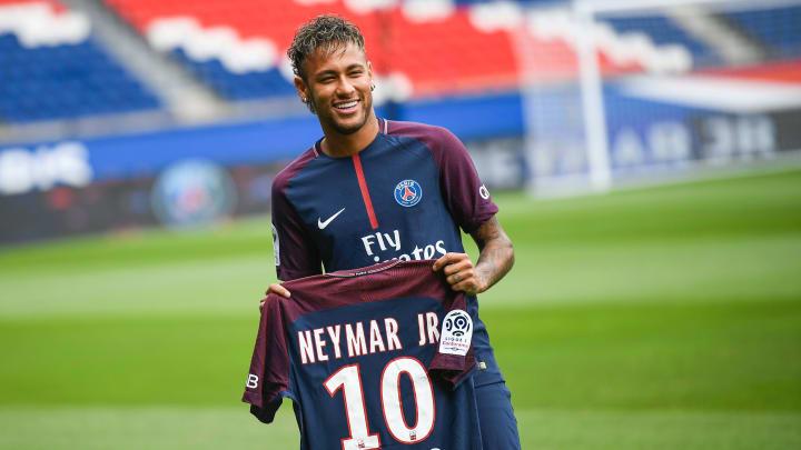 Neymar est la recrue la plus chère de l'histoire du football.
