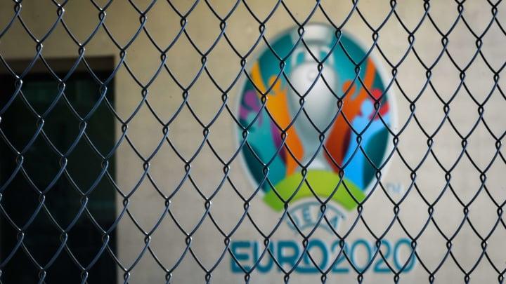 TOPSHOT-FBL-EURO-2020-UEFA-HEALTH-VIRUS
