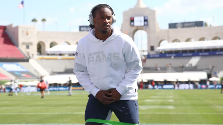 LOS ANGELES, CALIFORNIA - SEPTEMBER 29: Todd Gurley #30 of the Los Angeles Rams warms up prior to kickoff of the game against the Tampa Bay Buccaneers at Los Angeles Memorial Coliseum on September 29, 2019 in Los Angeles, California. (Photo by Joe Scarnici/Getty Images)