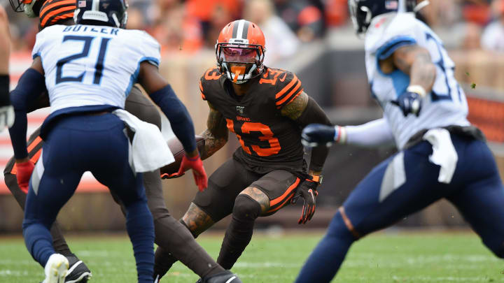 CLEVELAND, OH - SEPTEMBER 08:  Odell Beckham Jr. #13 of the Cleveland Browns looks for running room after catching a pass in the second quarter against the Tennessee Titans at FirstEnergy Stadium on September 08, 2019 in Cleveland, Ohio . (Photo by Jamie Sabau/Getty Images)