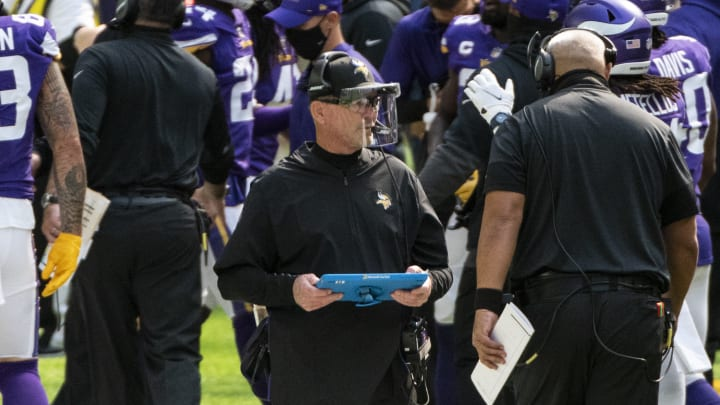 Mike Zimmer and his mask.