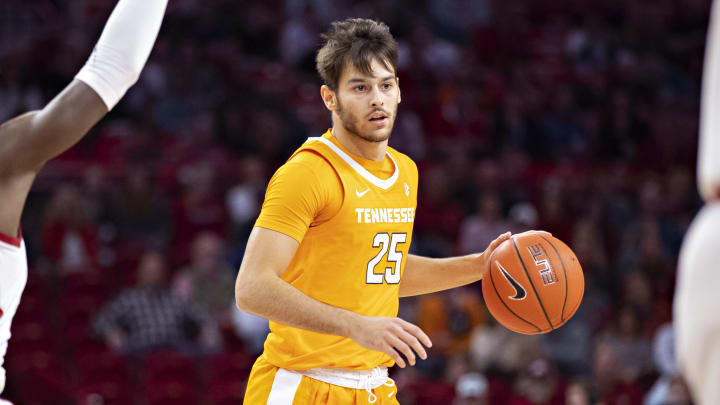 SC Upstate vs Tennessee spread, odds, line, prediction, over/under & betting insights for college basketball game.
