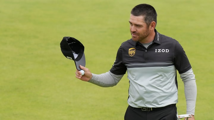 Louis Oosthuizen's British Open odds surge as the favorite thanks to his Round 1 lead.