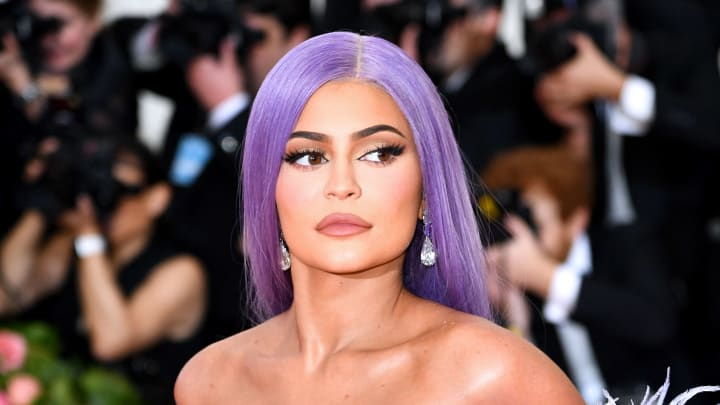 Kylie Jenner is being called out by a hostess who claims she only tipped $20 on a $500 tip.
