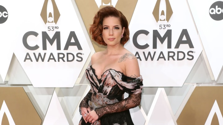 Halsey at the 53rd Annual CMA Awards - Arrivals