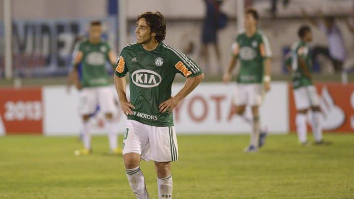 A primeira passagem de Valdivia pelo Palmeiras foi em 2006.