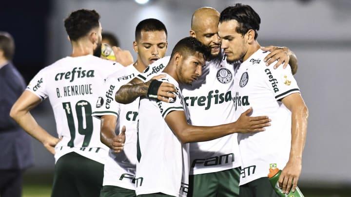 Internacional tem interesse em Felipe Melo, defensor do Palmeiras.