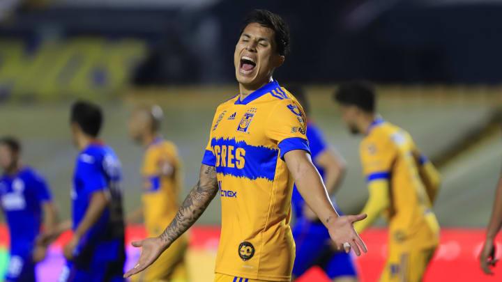 Carlos Salcedo, Luis Romo
