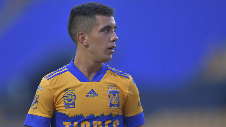 Leo Fernández tensa la relación con Miguel Herrera en Tigres
