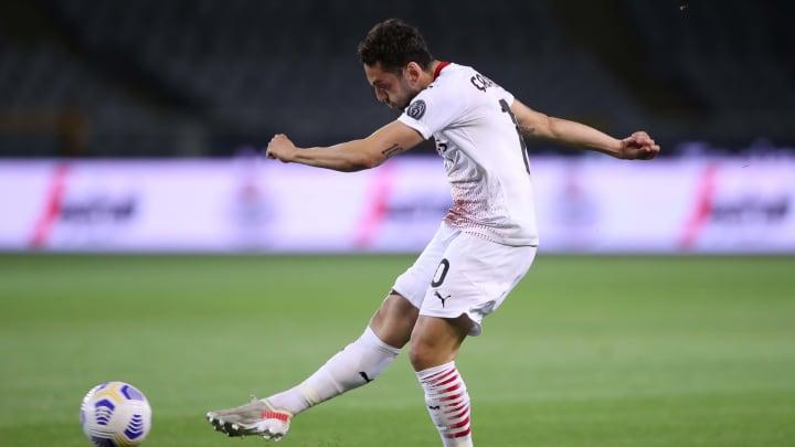 Juventus macht bei Calhanoglu Druck