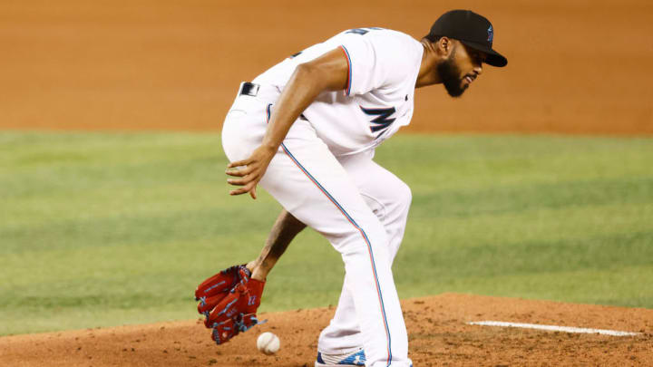 4 Latinos Who Could Win Their First Gold Glove In 2021