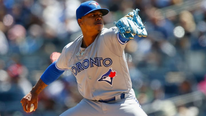 NEW YORK, NY - APRIL 21:  Marcus Stroman #6 of the Toronto Blue Jays pitches in the first inning against the New York Yankees at Yankee Stadium on April 21, 2018 in the Bronx borough of New York City.  (Photo by Jim McIsaac/Getty Images)