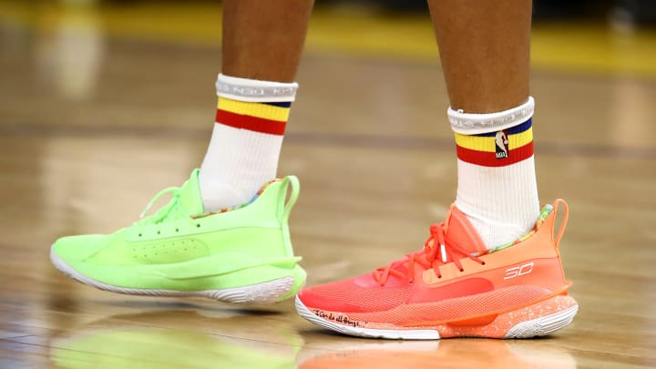Stephen Curry Wore Very Colorful Sneakers For His Return