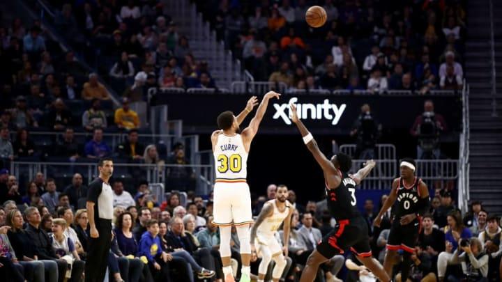 Curry tiene un compromiso de realizar donaciones ante cada triple que anota