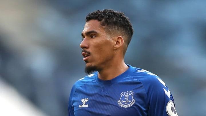 Allan con la maglia dell'Everton