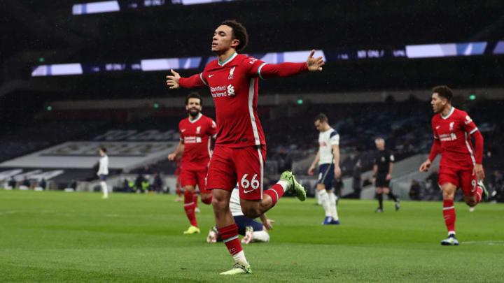 Les latéraux comme les attaquants sont portés vers l'attaque en Premier League