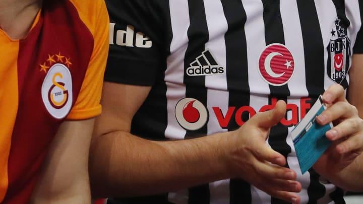 Galatasaray ve Beşiktaş formaları