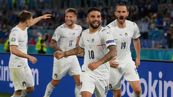 """La gioia """"azzurra"""" dopo il 3-0 di Insigne alla Turchia"""