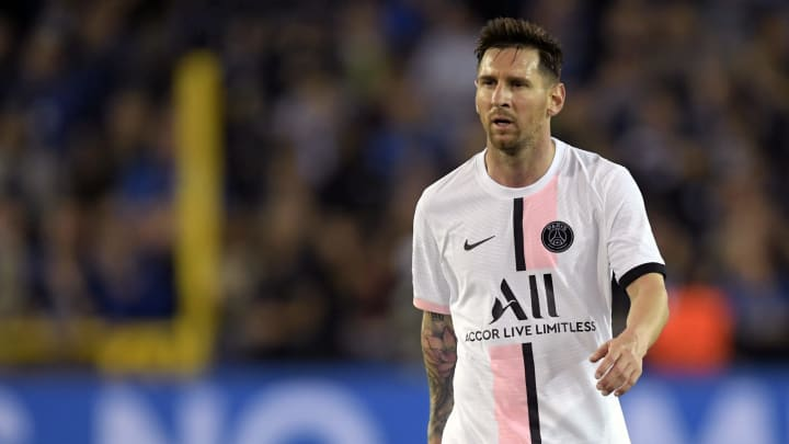 """Lionel Messi Looking to Rent £41m Castle Outside Paris Called """"Pink Palace"""""""