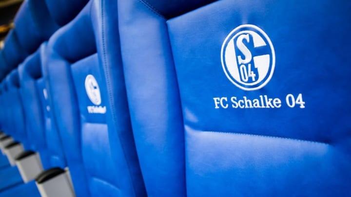 Auf Schalke muss in allen Bereichen zweigleisig geplant werden