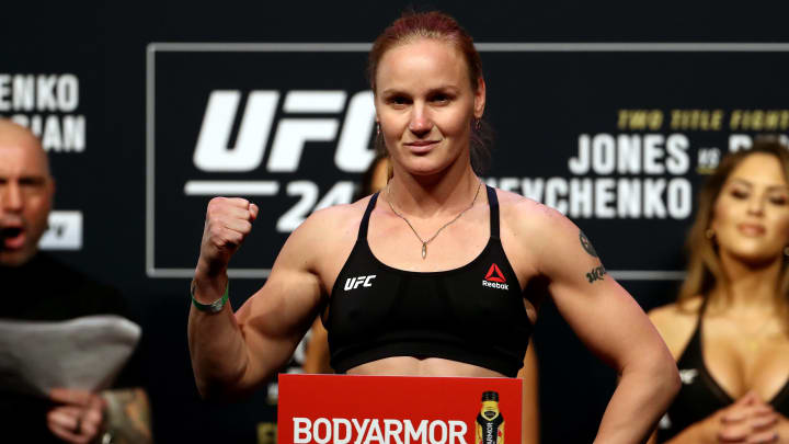 Jessica Andrade vs Valentina Shevchenko UFC 261 flyweight title bout odds, prediction, fight info, stats, stream and betting insights.