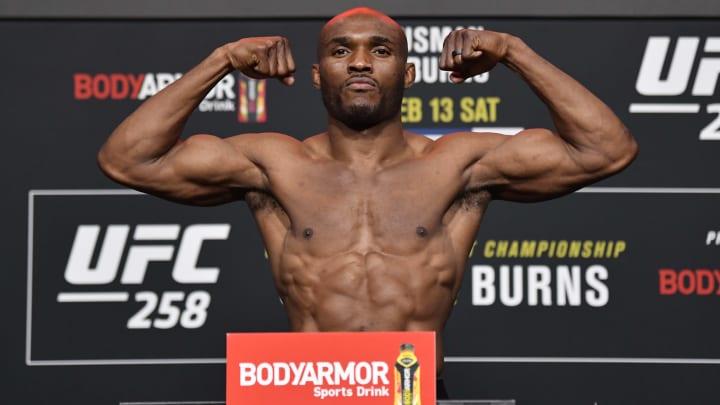 Kamaru Usman vs Jorge Masvidal UFC 261 welterweight title bout odds, prediction, fight info, stats, stream and betting insights.