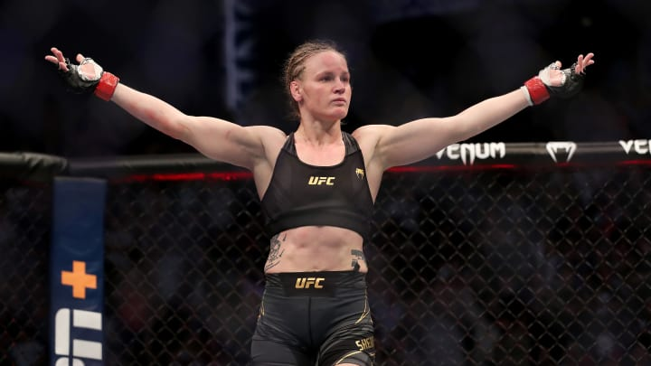 Valentina Shevchenko vs Lauren Murphy UFC 266 women's flyweight bout odds, prediction, fight info, stats, stream and betting insights.
