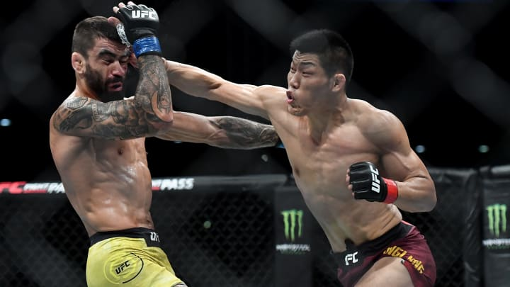Santiago Ponzinibbio vs Li Jingliang UFC Fight Island 7 odds, prediction, fight info, stats, stream and betting insights.