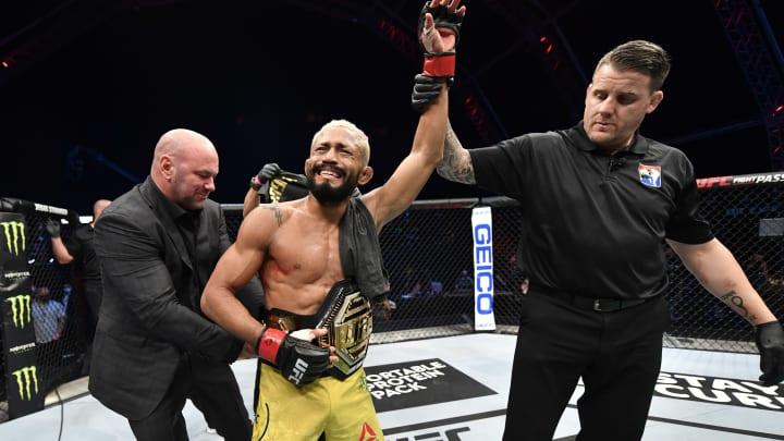Deiveson Figueiredo vs Alex Perez UFC 255 main event odds, prediction, fight info, stream and betting insights.
