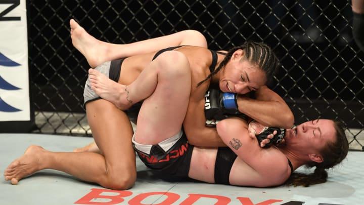 Roxanne Modafferi vs Taila Santos UFC 266 women's flyweight bout odds, prediction, fight info, stats, stream and betting insights.