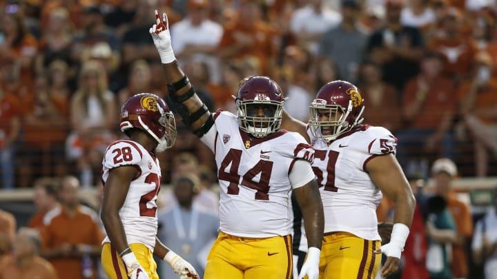 USC football defensive linemen.