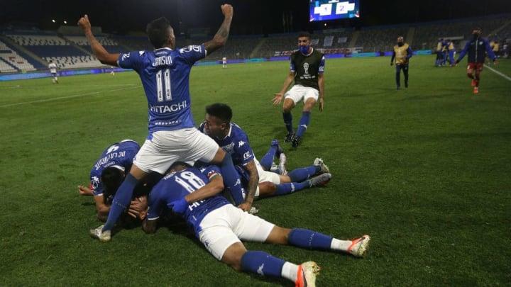 Universidad Catolica v Velez - Copa CONMEBOL Sudamericana 2020