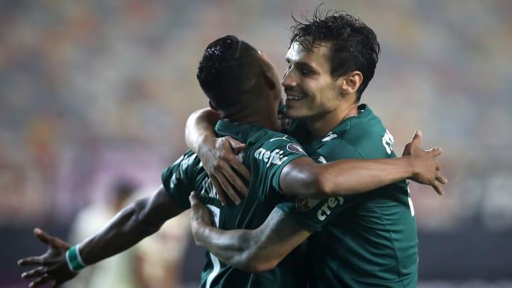 Palmeiras venceu Universitario com gol no último minuto