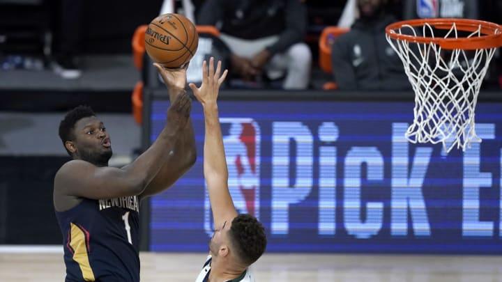 Zion Williamson scores against the Utah Jazz.