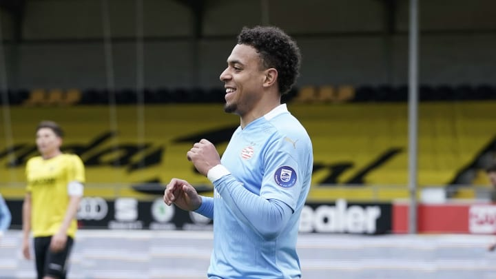 Liverpool 'front of queue' to sign PSV forward Donyell Malen