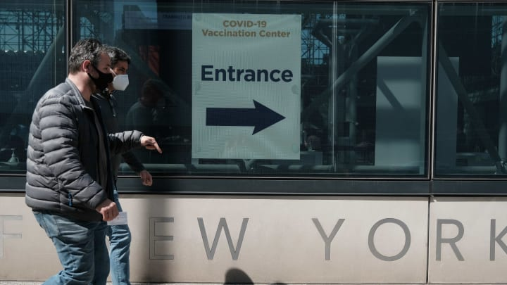 Vaccinations In New York Open To People 50 And Older