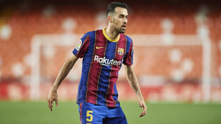 Barcelona have offered Sergio Busquets a new deal