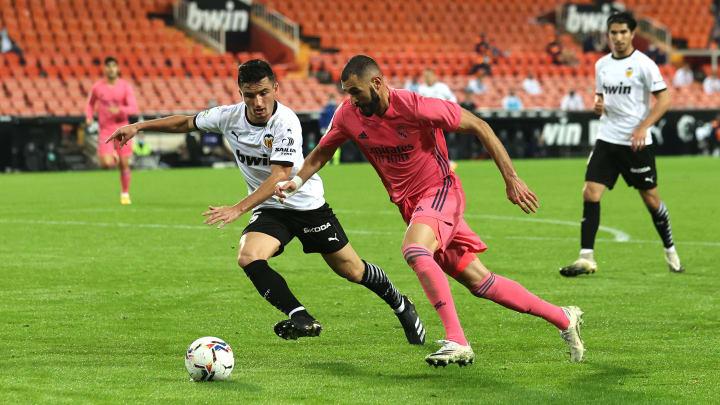 Karim Benzema face au FC Valence.