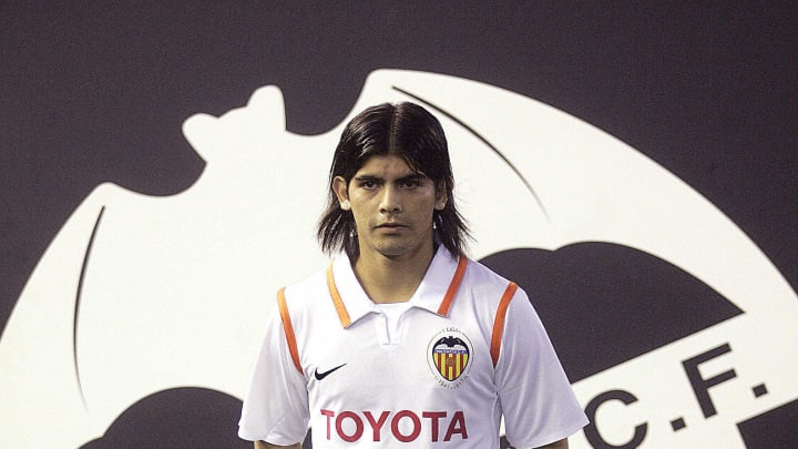 Banega's unveiling as a Valencia player in 2008