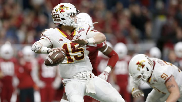 SAN ANTONIO, TX - DECEMBER 28:  Brock Purdy #15 of the Iowa State Cyclones looks to pass in the third quarter against the Washington State Cougars during the Valero Alamo Bowl at the Alamodome on December 28, 2018 in San Antonio, Texas.  (Photo by Tim Warner/Getty Images)