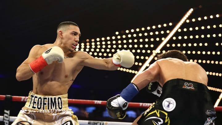 Teófimo López adquiere cuatro cinturones con su victoria sobre Lomachenko