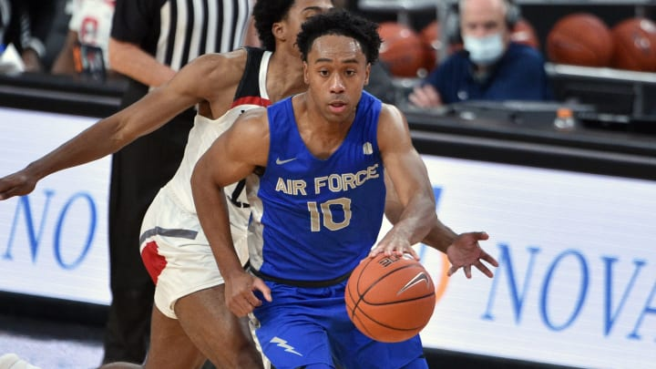 Wyoming vs Air Force prediction, pick and odds for NCAAM game.