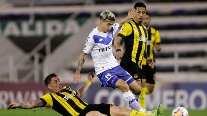Lucas Orellano (au milieu) plait à Pablo Longoria.